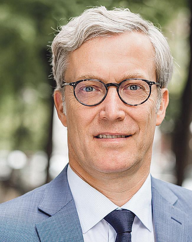 Porträt: Prof. Dr. Oliver Peters